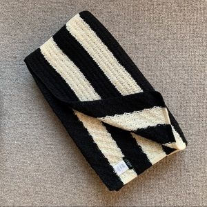NWOT wool blend J crew Factory winter scarf